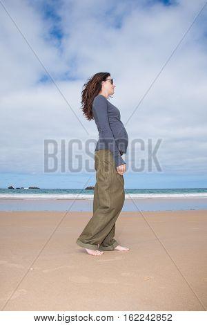 Grey Jersey Pregnant Walking At Beach