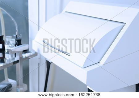 Gynecological room with  apparatus for sterilizing