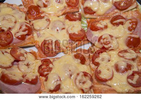 Quick Mini Pizzas Are Ready.