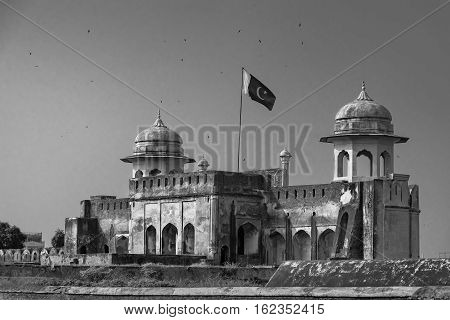 The Lahore Fort locally referred to as the Shahi qila is a citadel in the city of Lahore Punjab Pakistan.