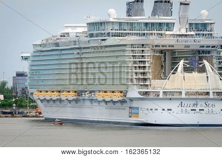 Biggest Cruise Ship, Allure Of The Seas