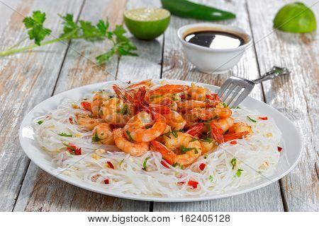 Rice Noodle And Butter Garlic Fried Shrimps
