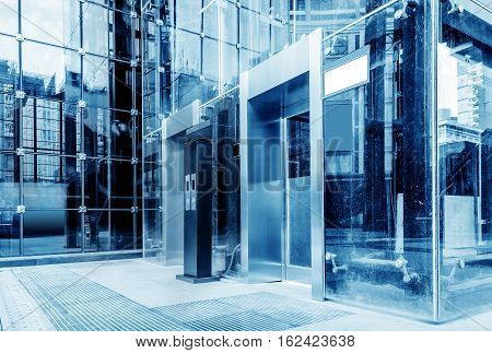 The exterior is a glass curtain wall elevator blue tone chart.