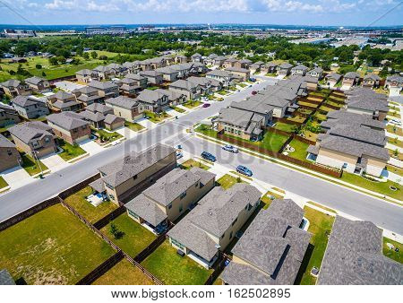 Suburban Homes North of Austin near Round Rock , Texas as Texas expands more and more homes are built in Modern Neighborhood Communities