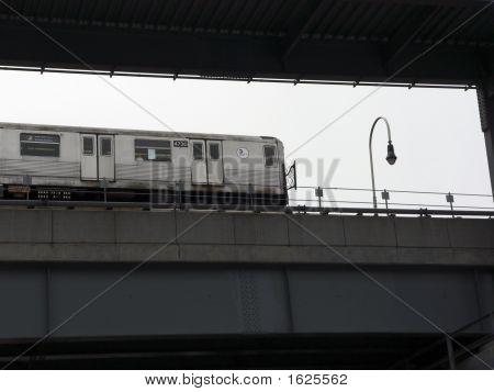 Subway_Williamsburg Bridge