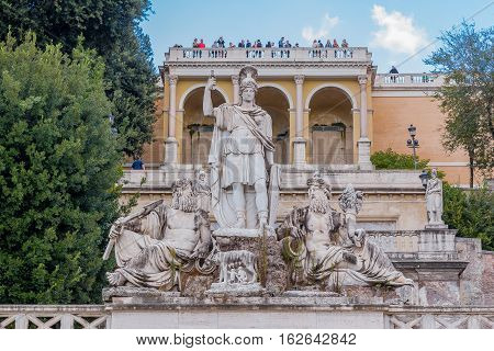 Fontana Della Dea Di Roma In  Piazza Del Popolo