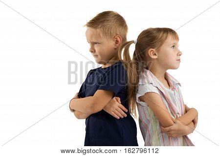 children are quarreling with each other. difficult relationship