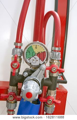 Device for pressure measuring at gas oil company