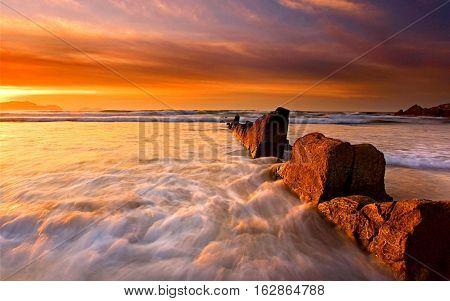 Sun rise behind the white sea wallpaer