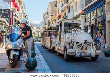 Rue D Antibes In Cannes, South France