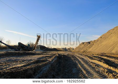 The conveyor belt in the granite quarry