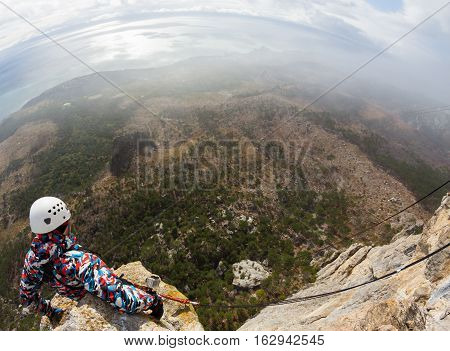 Ropejumping from Shaan Kaya, extreme activity, Crimea