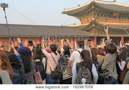 SEOUL SOUTH KOREA - OCTOBER 19, 2016:Unidentified people take photos of main actors of KBS TV series Love in the Moonlight at Gyeongbok Palace.