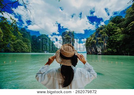 Traveler Woman With Holding Hat Joy Relaxing Looking Beautiful View Amazing Nature Landscape Of Jame