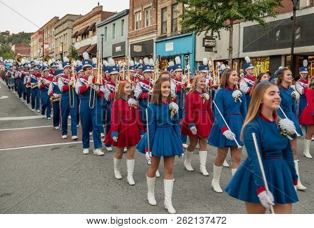 Morgantown, Wv - 5 October 2018: Homecoming Parade Down Main Street Of Morgantown With High School C