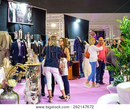 Paris, France - Oct 6, 2018: Girls At Wedding Exhibition Paris 2018 People - Customers And Exhibitio
