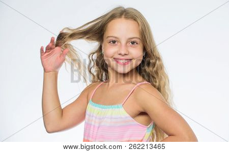 Natural Beauty. Teaching Your Child Healthy Hair Care Habits. Hair Care Tips For Kids. Kid Little Gi