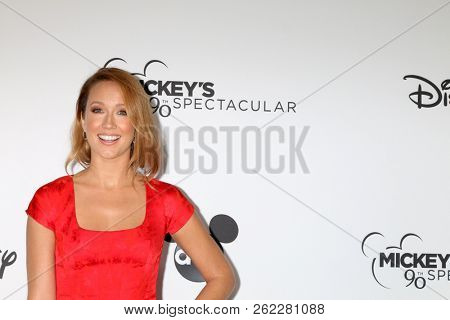 LOS ANGELES - OCT 6:  Anna Camp at the Mickey's 90th Spectacular Taping at the Shrine Auditorium on October 6, 2018 in Los Angeles, CA