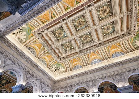 Washington Dc/usa - July 22nd 2018: The Decorative Beaux Arts Ceiling At The Jefferson Building. Gre