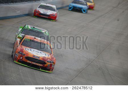October 07, 2018 - Dover, Delaware, USA: Kevin Harvick (4) battles for position during the Gander Outdoors 400 at Dover International Speedway in Dover, Delaware.