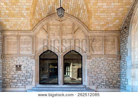 Civil War Memorial At Student Union Entrance At University Of Missouri