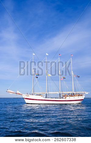 Chicago, Il - July 10, 2018 - The Tall Ship Windy Sailing On  Michigan Lake Waters On A Sunny Day