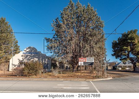 Sutherland, South Africa, August 8, 2018: A Street Scene, With The Slimbegin Elementary School , In