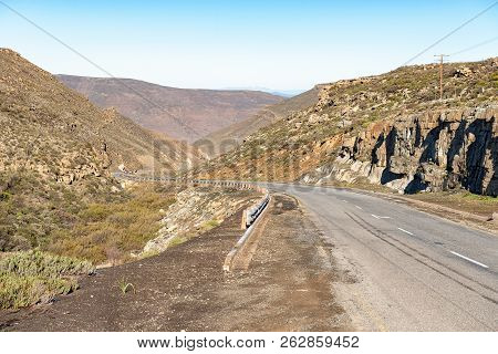 A View Of The Verlatenkloof Pass On Road R354 To The South Of Sutherland In The Northern Cape Provin