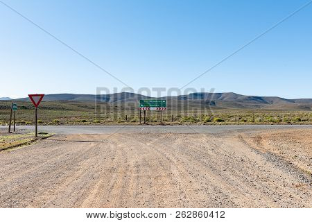 Junctiion Between Road R356 From Ceres And Road R354 In The Northern Cape Province. Directional Sign