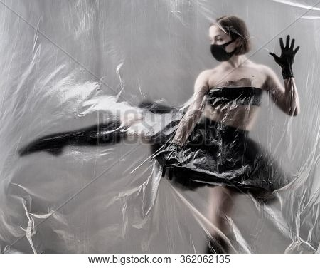 Self-isolation Covid-19 Of Ballerina In The Studio.