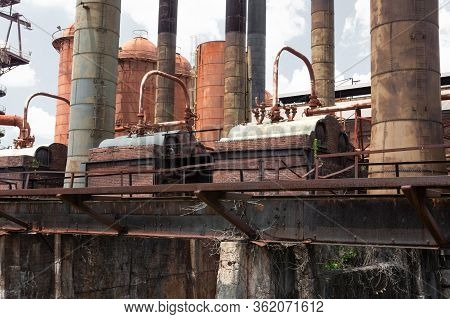 Sloss Furnaces National Historic Landmark, Birmingham Alabama Usa, Elevated Train Tracks Running Alo