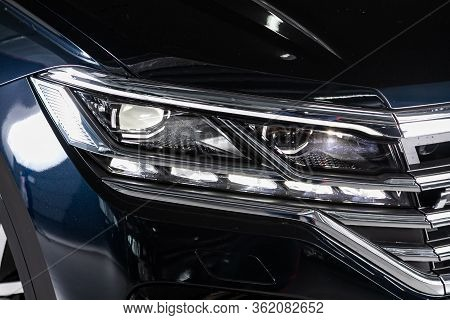 Novosibirsk/ Russia - March 09 2020: Volkswagen Touareg, Close Up Of The Car Detailing: Beauty Clean