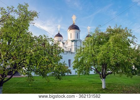 Cathedral Of The Transfiguration In The Murom Spaso-preobrazhensky Monastery. City Murom, Russia