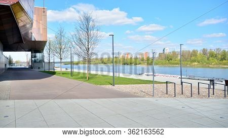 Warsaw, Poland. 20 April 2020. Vistulan Boulevards On The Western Side Of The River Vistula. Empty B