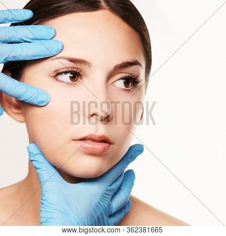 Facelift Hydra Treats. Esthetic Skin Care Analysis. Doctor Hands In Gloves. Medicine Facial Beauty E