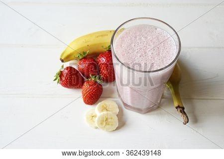 Strawberry And Banana Milkshake Smoothie - Homemade With Fresh Fruit