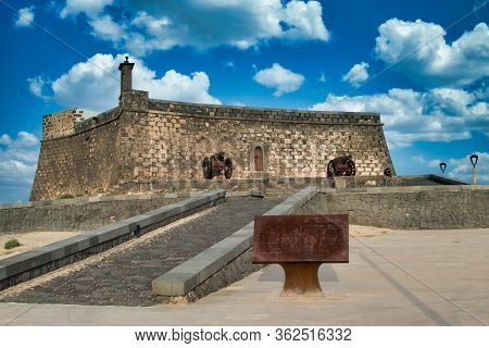 Arrecife, Lanzarote, Spain - May 16, 2016: A View Of The Historic Castillo De San Gabriel In Arrecif