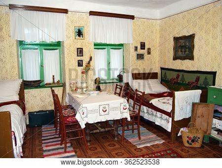 The Farmhouse Interior 3
