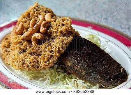 Crispy Catfish Spicy Salad With Green Mango, Thai Food, Crispy Catfish Salad With Green Mango And Ve