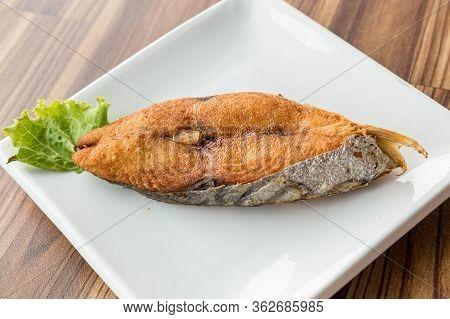 King Mackerel Fried, Indo-pacific King Mackerels, Spotted Mackerels.  Fried Fillet Of Mackerel Slide