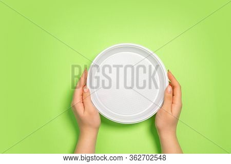 Plate. Eco-friendly Life - Polymers, Plastics Things That Can Be Replaced By Organic Analogues. Home