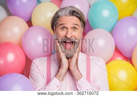 Close-up Portrait Of His He Nice Attractive Cheerful Funny Ecstatic Cheery Overjoyed Grey-haired Mat
