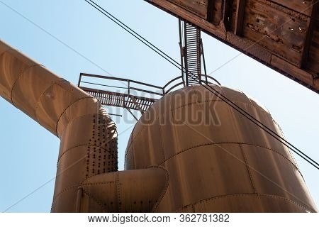 Sloss Furnaces National Historic Landmark, Birmingham Alabama Usa, Large Riveted Tank And Pipe, Open