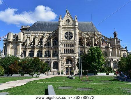 Paris, France. August 14, 2019. Eglise Saint-eustache At Les Halles Neighbourhood.