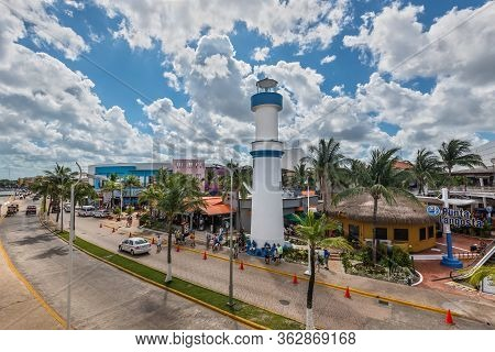 Cozumel, Mexico - April 24, 2019: Beautiful Quay With White Lighthouse Attracting Thousands Of Touri