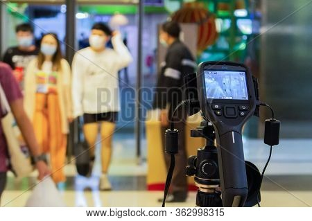 Bangkok,thailand 2019 Fabuary 03 :staff Brought The Thermoscan Infrared Camera To Install At The Ent