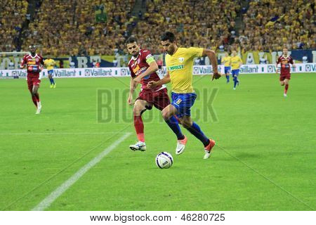 Younes Hamza dribble