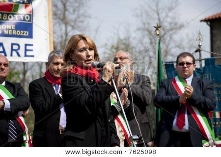 nichi vendola and olga d'antona at commemoration