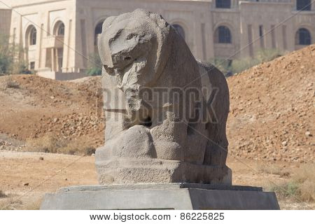 Babylon lion statue