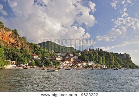Village At The Lake - Trpejca